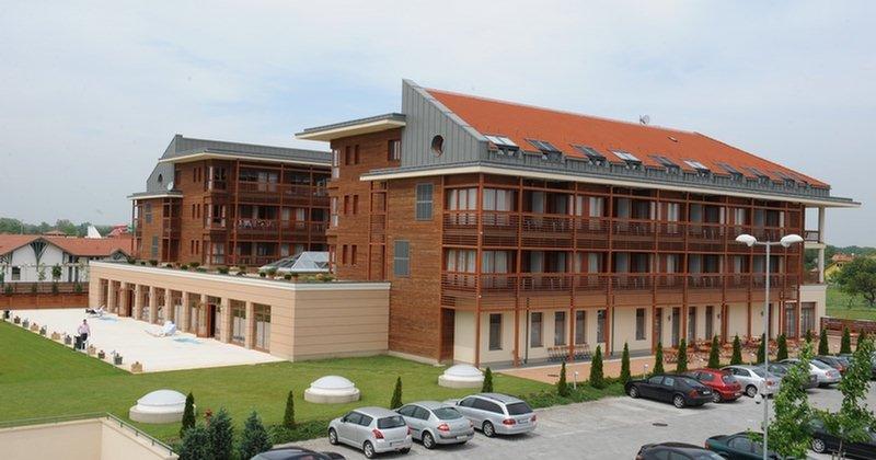 Aquarell Hotel - Cegléd