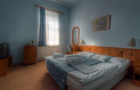 Erzsébet - szárny parki 2 ágyas