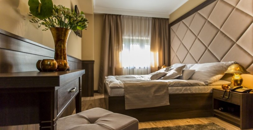 Komló Hotel - Gyula